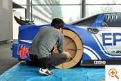 写真:タイヤの取り付け確認
